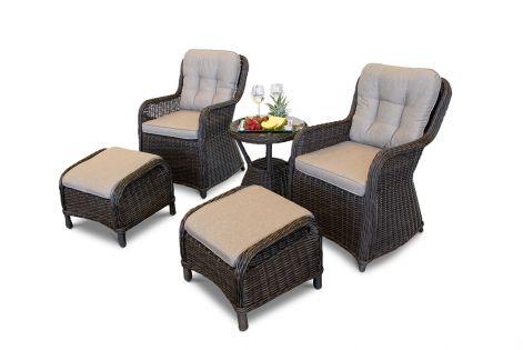 Living cafesæt - To stole med fodskammel og cafebord i chocolate